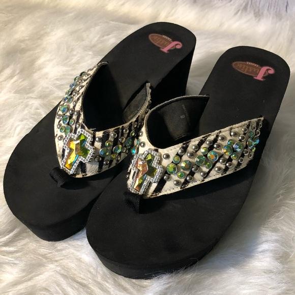 ed95dc1e96ae9b Justin Shoes - Justin Cross Animal Print Flip Flops